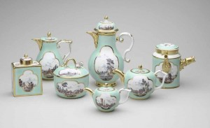 Meissen Porcelain Factory, tea, coffee and chocolate service, c.1725  Royal Collection Trust / copyright Her Majesty Queen Elizabeth II 2014 used with permission. All rights reserved.