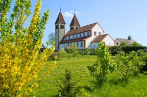 Insel Reichenau mit Kirche St. Peter und Paul