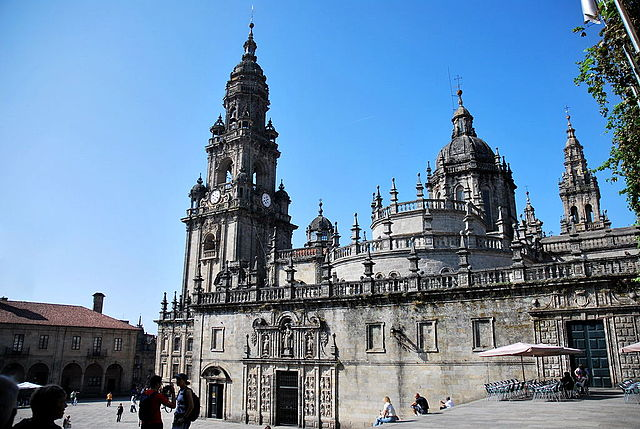 The Cathedral of Santiago in Galicia, Spain is the last of a series of churches constructed on this site since 829 AD. Image by Toutaitanous. CC BY-SA 3.0